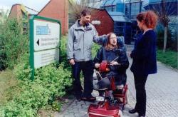 Foto: Betreuung von Schwerstbehinderten durch das Studierendenwerk Trier.