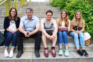 "Foto: Foto v.l.n.r.: ""Prisca Sommerfeldt, Andreas Wagner, Leon Schulze, Lea Barthel und Lina-Marie Blau.""."